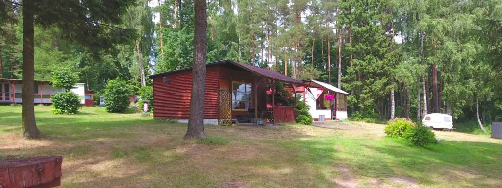 Domki nad jeziorem Gołdopiwo, Ośrodek Aneta